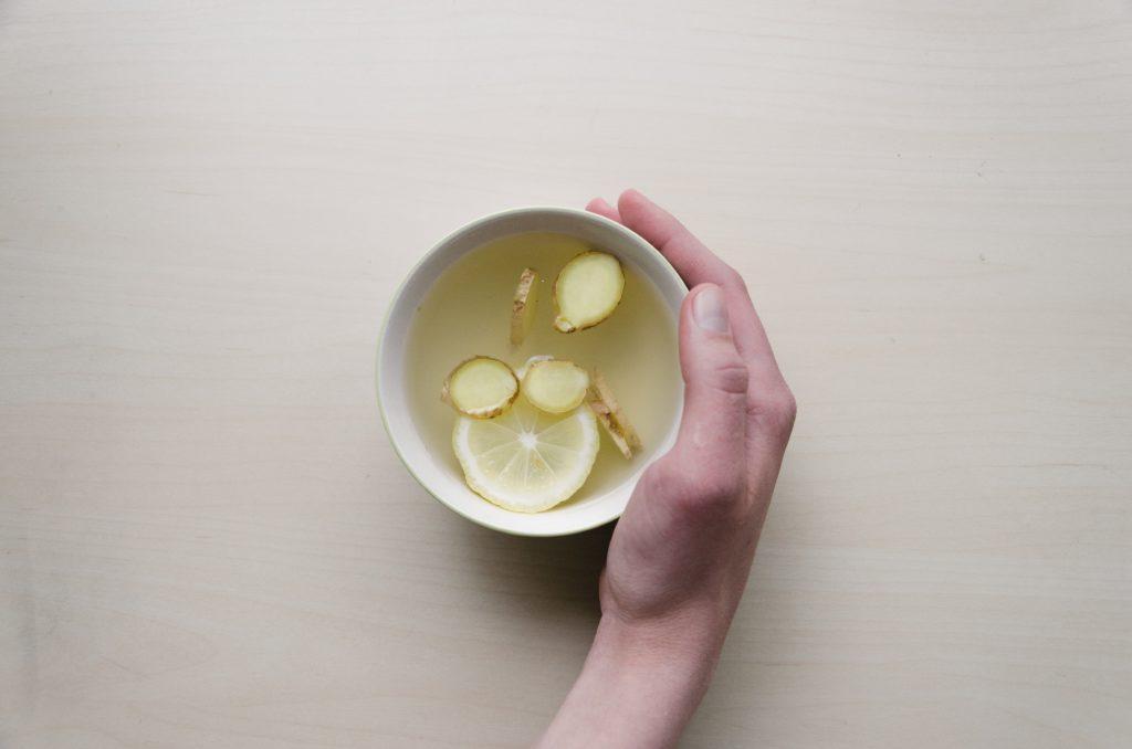 Té de gengibre y limón,  Dominik Martin
