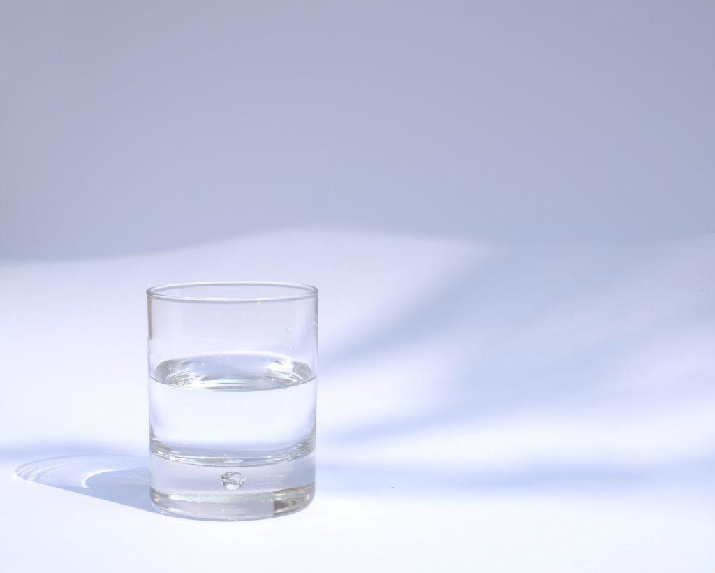 Vaso de agua,  manu schwendener