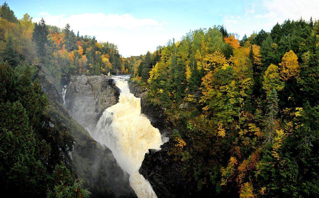 cañón Saint Anne, los 10 mejores destinos de aventura en Canadá