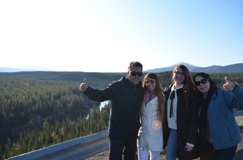 Claudia y su familia a unas horas de conocer las Auroras Boreales en Whitehorse