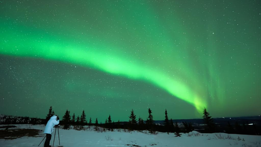 Espera de auroras boreales en Canadá