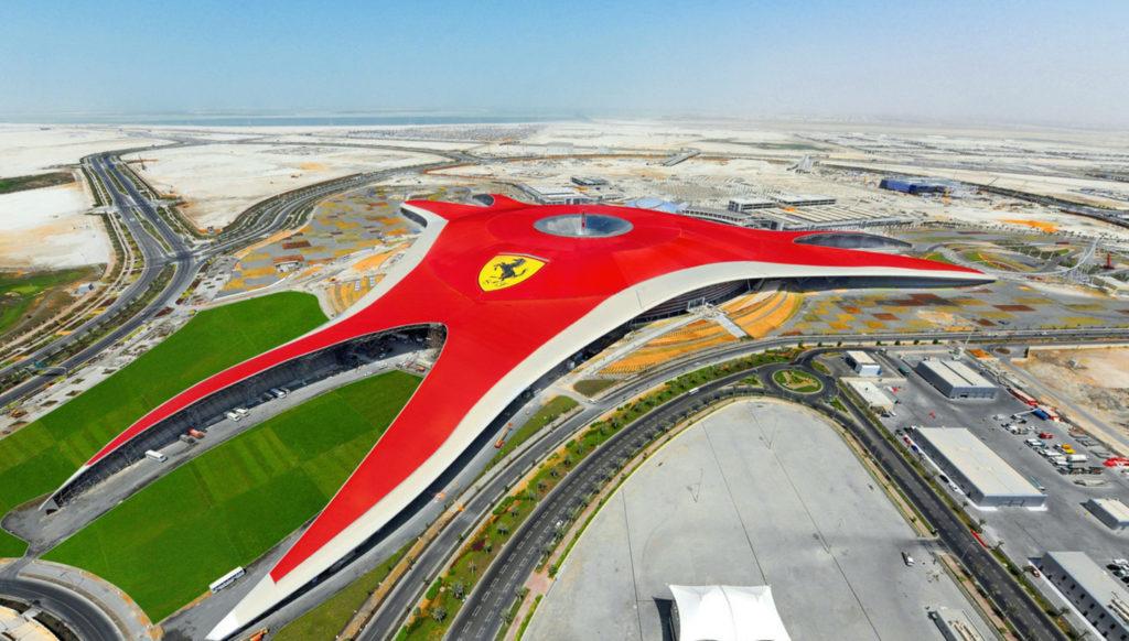 Parque tematico de Ferrari en Dubai